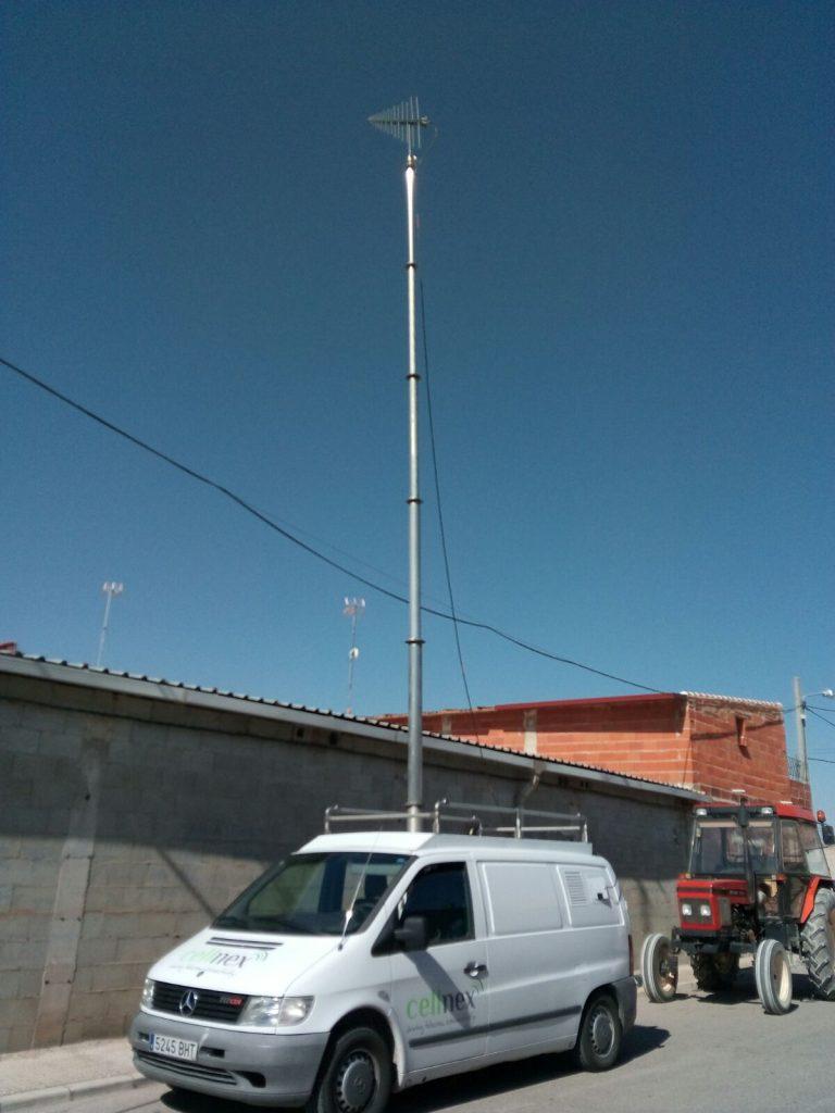 Una operadora de infraestructuras de telecomunicaciones se desplaza hasta El Provencio para intentar dar solución a la problemática de recepción de canales de televisión
